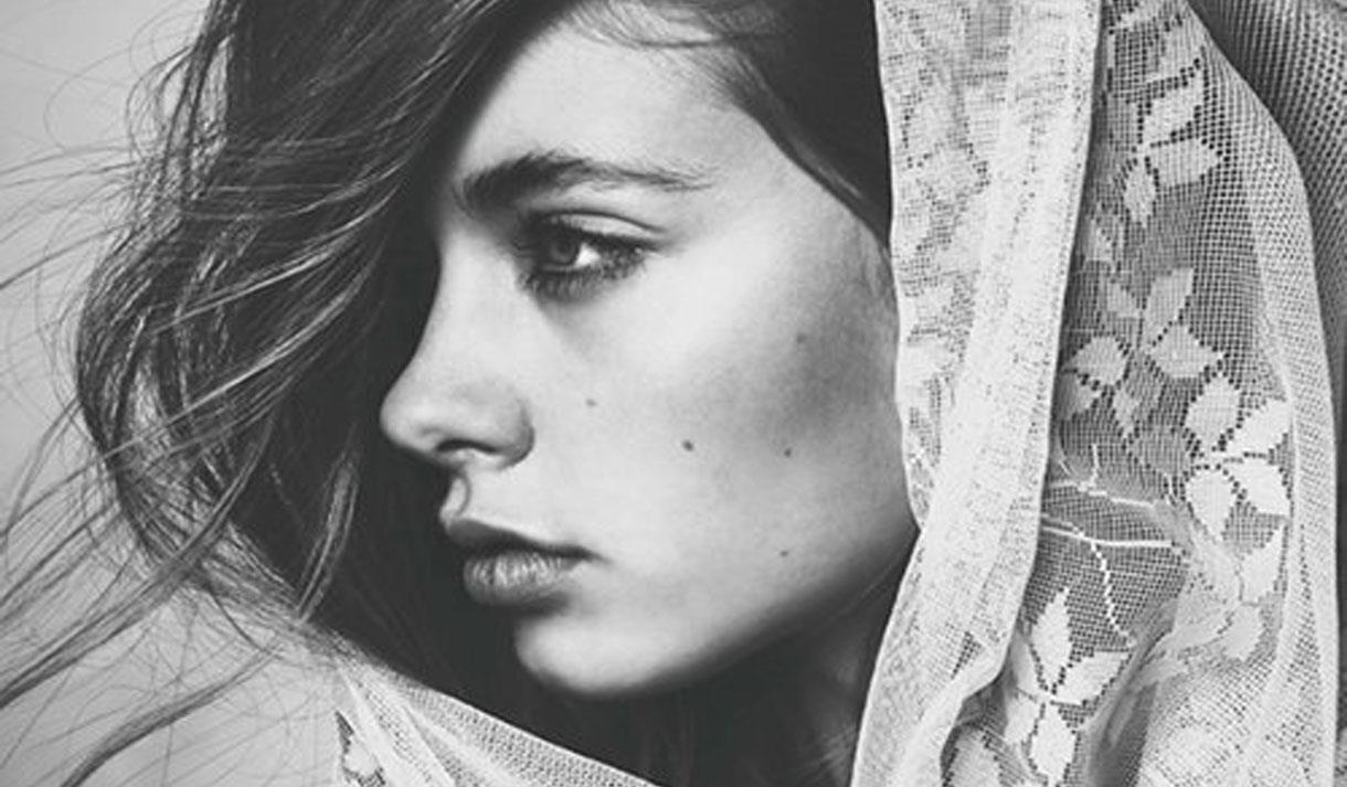 Learn how to draw portraits of faces in black and white