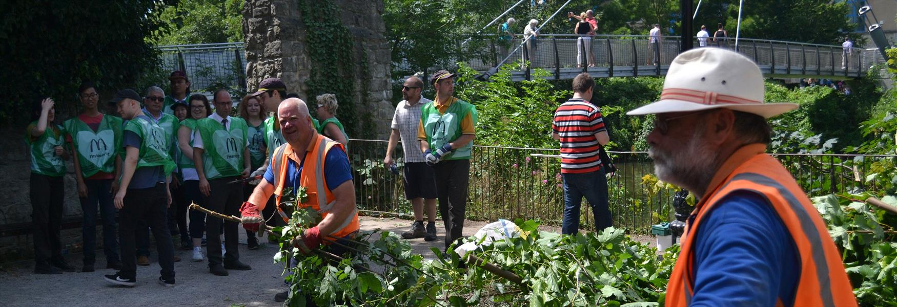 Maidstone River Park Partnership organise a clear up with volunteers from McDonald's  helped By MBC