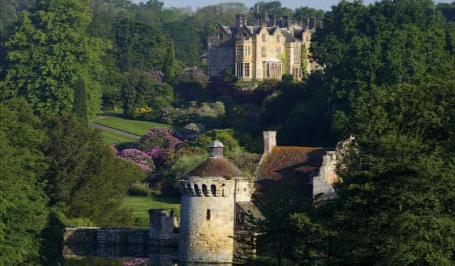 Scotney Castle, a fairy tale place to visit in the South of England, National Trust in Tunbridge Wells. A grand attraction for walking, history and fu